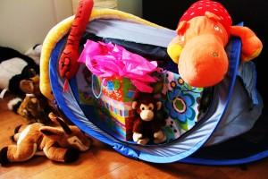 Une mini tente accueille les cadeaux !