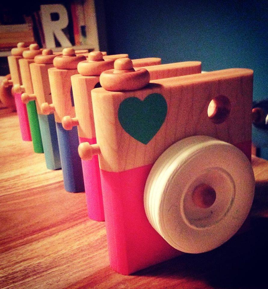 Trooooop mignons! Ces appareils photos jouets sont un beau cadeau à garder pour la vie!